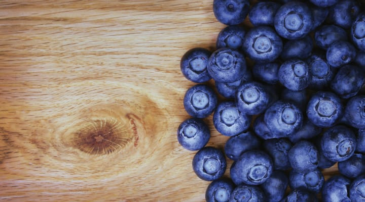 Pile of blueberries high in polyphenols beneficial for mobility