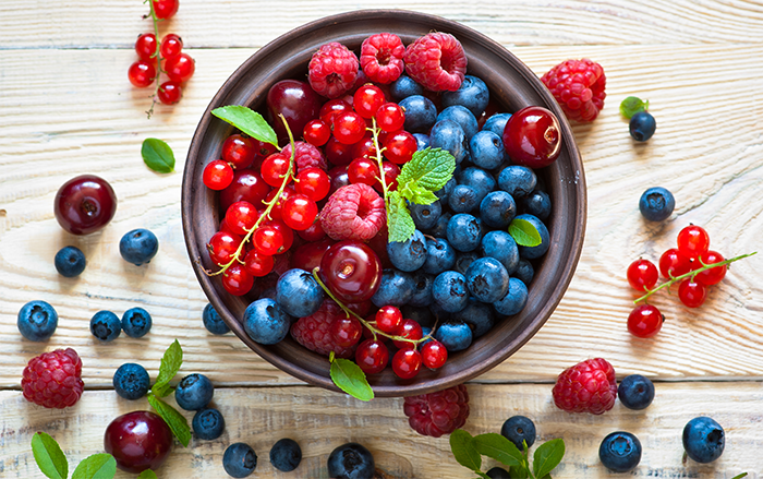 Berries improve neuronal housekeeping