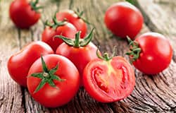 Lycopene supplementation aids blood vessel function in heart disease patients